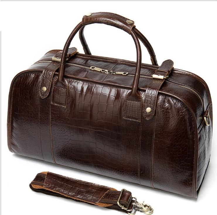 Túi xách cũng là một mẫu phụ kiện quan trọng.