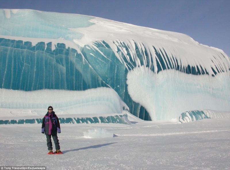 Một cột sóng băng ở Nam Cực
