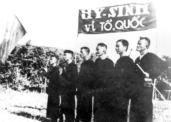 Những Đoàn viên đầu tiên quyết tử vì tổ quốc quyết sinh