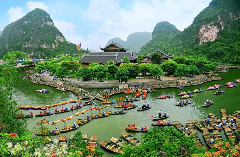 Nếu bạn có thể du lịch đến Ninh Bình vào mùa lễ hội, đó nhất định sẽ là một kỹ niệm khó quên