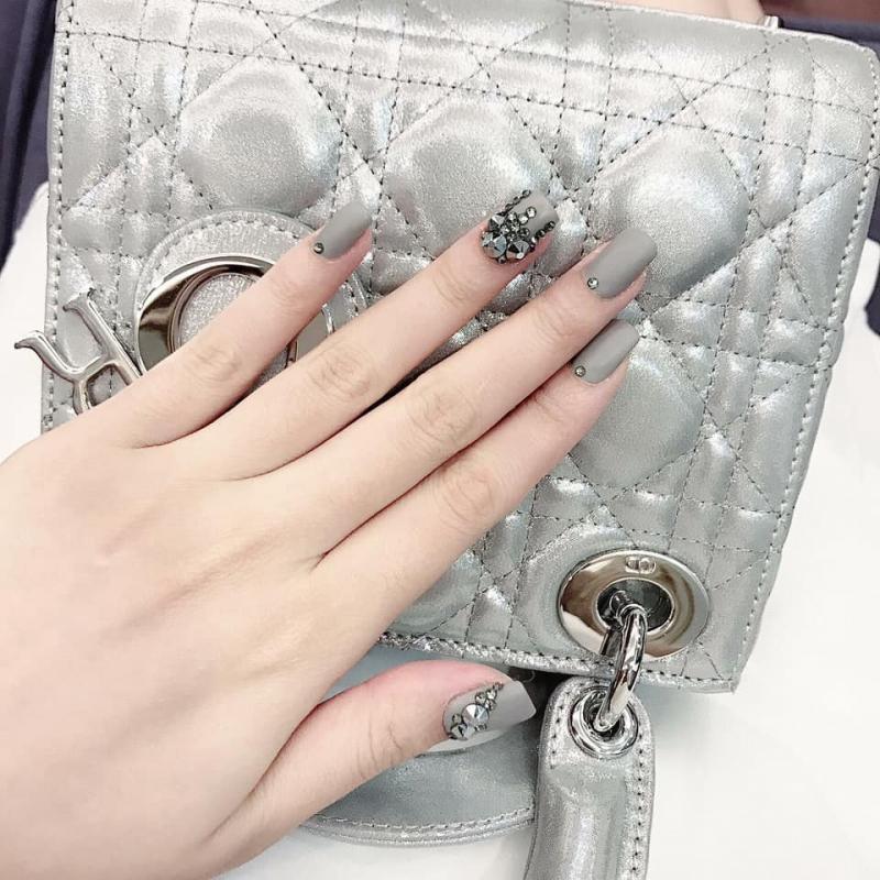 Nhung Nails