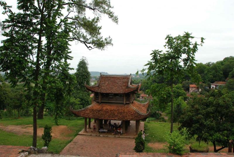 Gác chuông chùa Trăm Gian