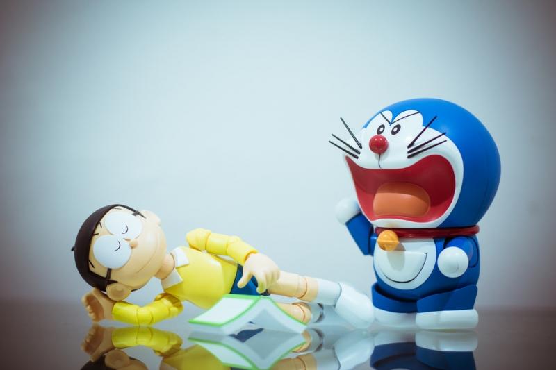Không biết Doraemon có chịu nổi cậu bé Nobita tinh nghịch hay không ?