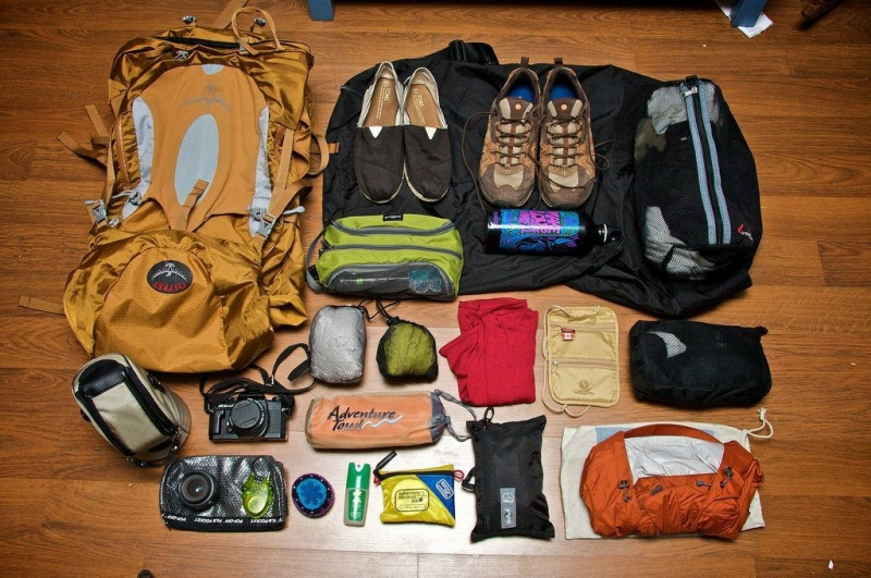 Quần áo mang theo nên đơn giản, gọn gàng và chỉ những thứ cần thiết