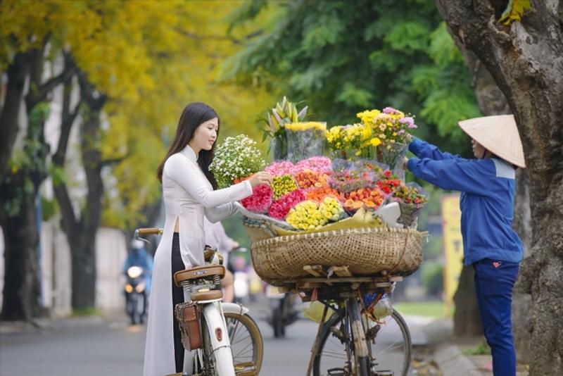 Những xe hoa dọc phố