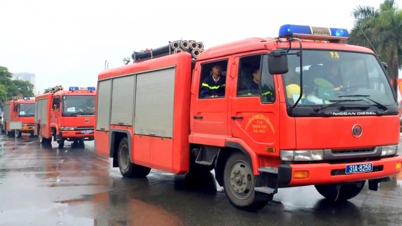 Nhường đường cho xe ưu tiên - xe cứu hỏa