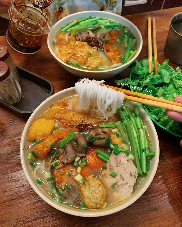 Ninh Eating