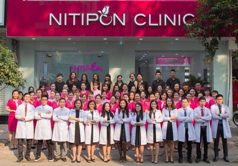 Nitipon Clinic Việt Nam  sử dụng phương pháp trị mụn độc quyền Acnesure.
