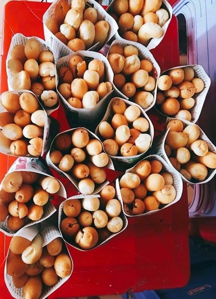 No.195 Chè Thái & Bánh Mỳ Cay