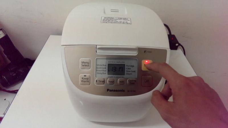 Nồi cơm điện tử Panasonic SR-DE183WRA - Dung tích 1,8 Lít