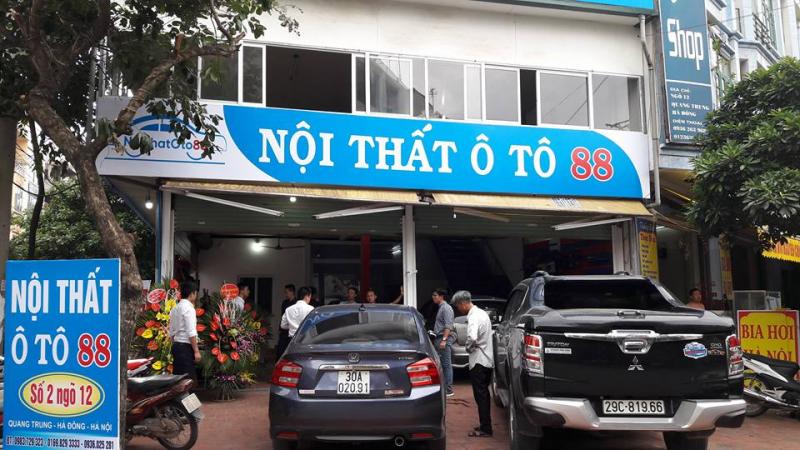 Rất nhiều khách hàng tới sử dụng dịch vụ khi khai trương cơ sở Ô tô 88 tại Hà Đông