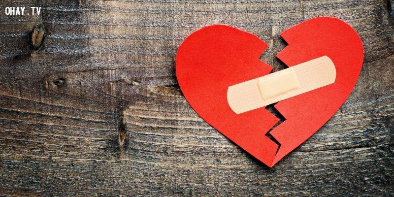 Nói xấu người mình yêu là 1 cách khiến cả 2 cùng tổn thương