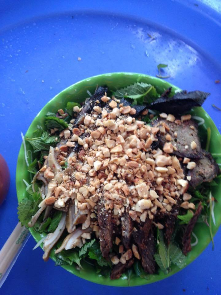 Nộm, bánh bột lọc ngõ 91 Nguyễn Chí Thanh