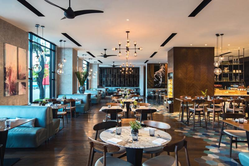 Phòng ăn được thiết kế sang trọng và đắt tiền