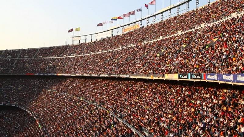 Sân Nou Camp trật kín khán giả