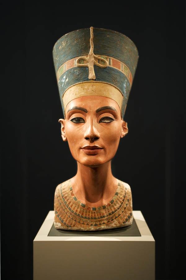 Tượng bán thân Nữ hoàng Nefertiti