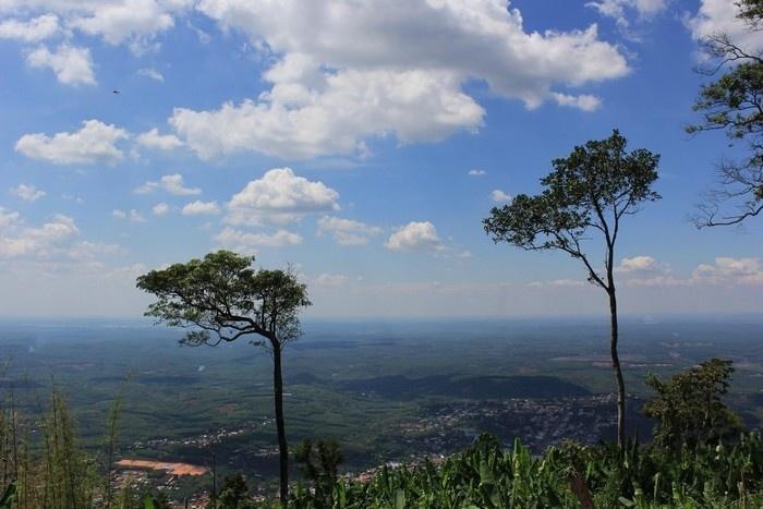 Cảnh quan tuyệt đẹp nhìn từ núi Bà Rá