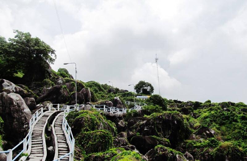 Lối đi lên đồi Tức Dụp