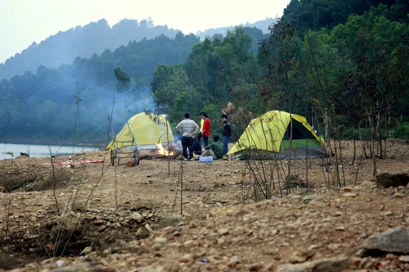 Không gian núi Hàm Lợn rất phù hợp cho việc cắm trại