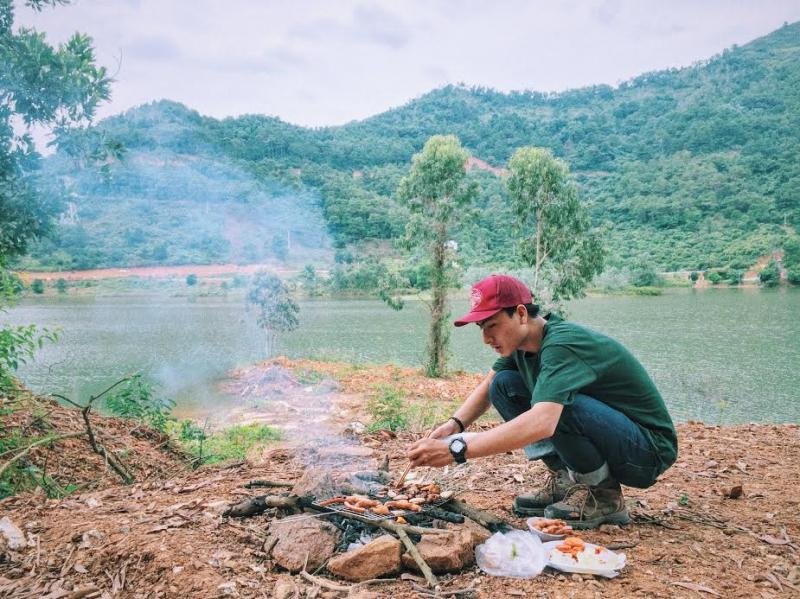 Núi Hàm Lợn phù hợp với hoạt động cắm trại