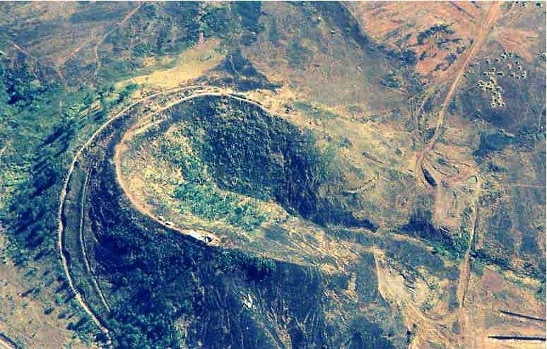 Núi Hàm Rồng độc đáo