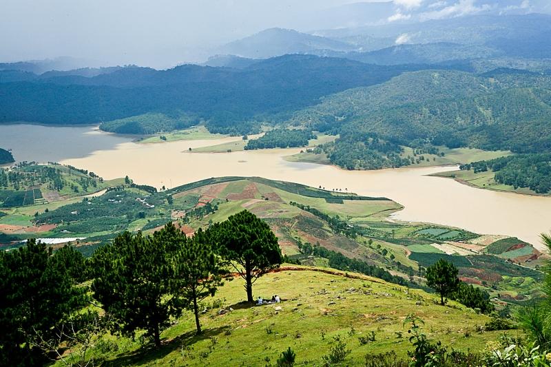 Nhìn từ đỉnh Langbiang