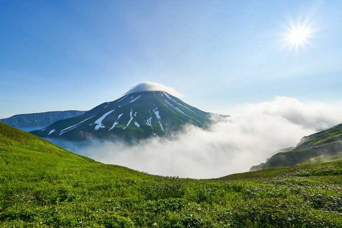 Núi lửa Krenitsyn trên đảo Onekotan