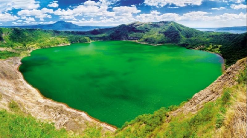 Taal là ngọn núi lửa đẹp nhất thế giới