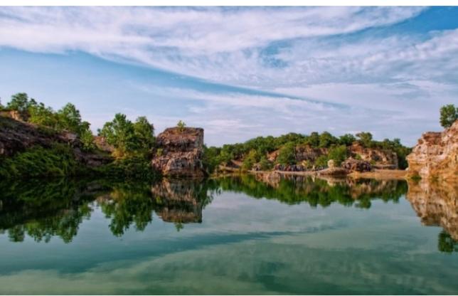 Khung cảnh thơ mộng của Hồ Tà Pạ