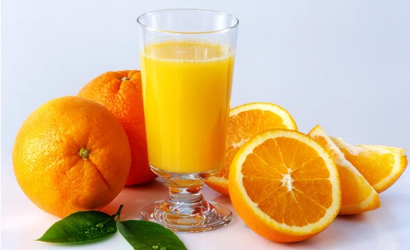 Nước cam chứa nhiều loại axit amin có lợi cho hệ tiêu hóa