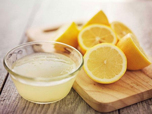 Cách trị mụn mùa hè hiệu quả nhất bạn nên áp dụng – dùng nước chanh
