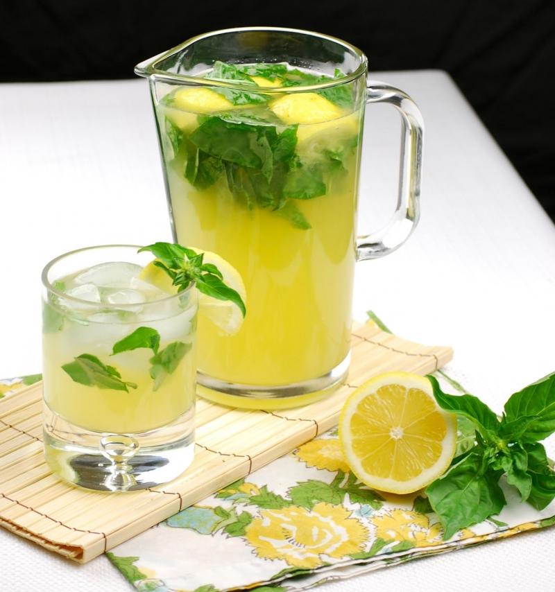 Nước chanh giúp thanh lọc cơ thể