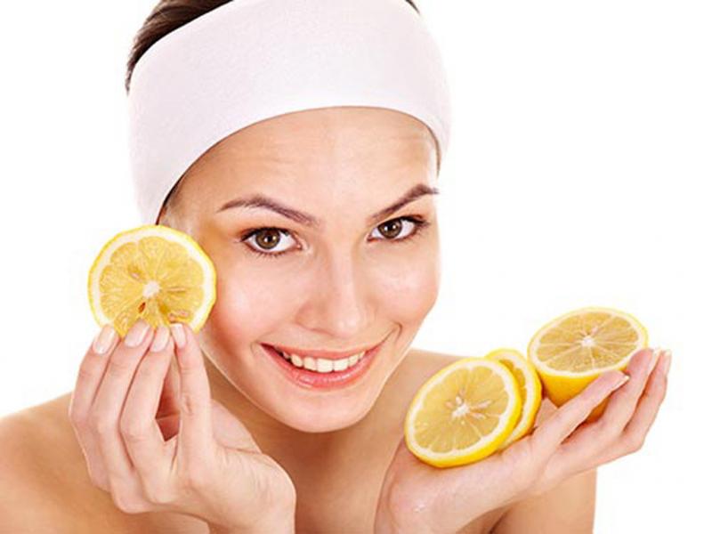 Chanh được dùng rất nhiều cho việc trị các vết thâm mụn.