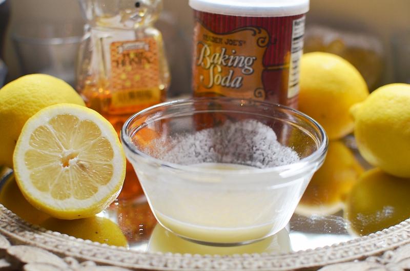 Trị rạn da bằng nước cốt chanh và baking soda