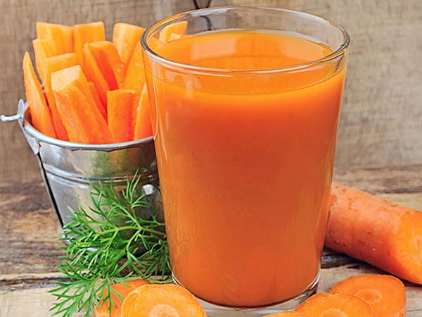 Nước ép cà rốt mang đến cho bạn một đôi mắt khỏe mạnh