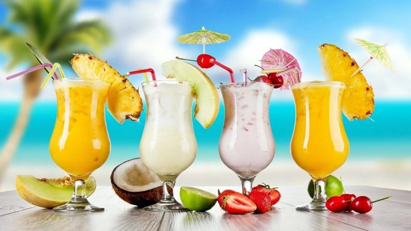 Nước ép trái cây tươi giải nhiệt hiệu quả và bổ dưỡng