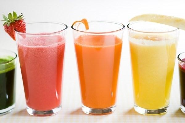 Không nên uống thuốc cùng nước ép trái cây