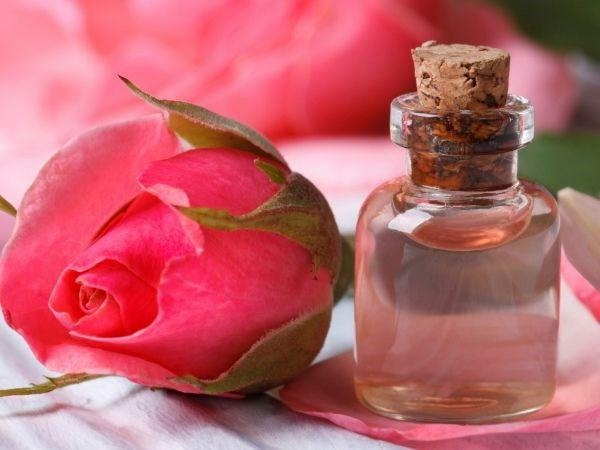 Toner hoa hồng thần dược cho làn da tươi trẻ