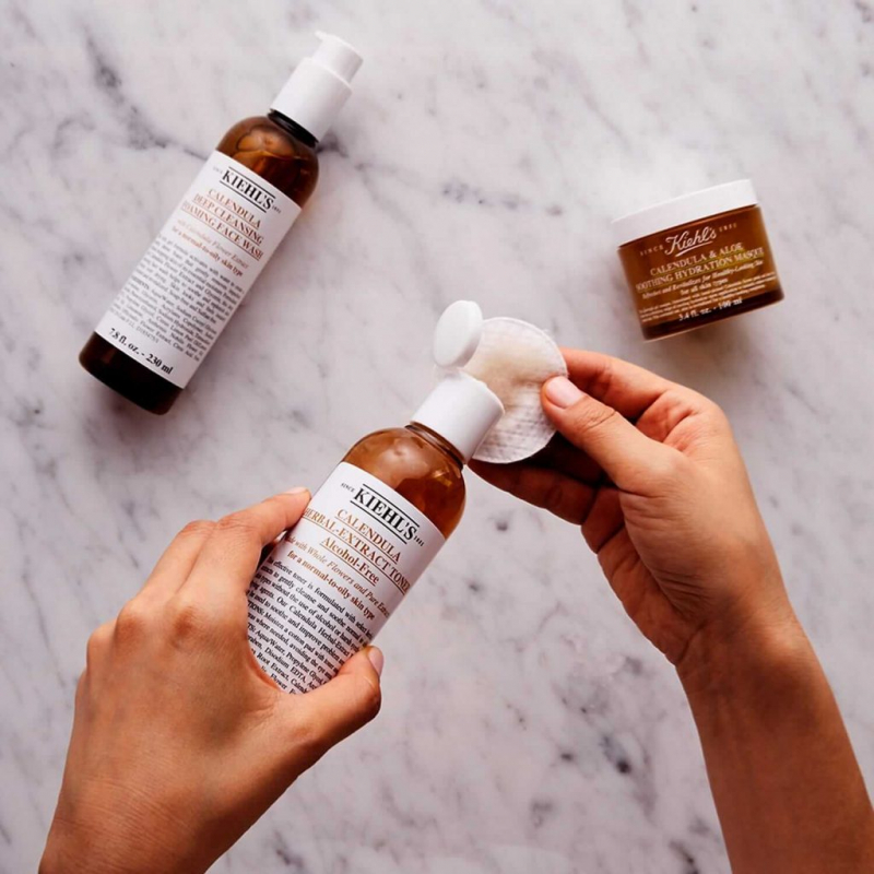 Nước hoa hồng Kiehl's Calendula Herbal Extract Alcohol Free – toner dành cho da nhạy cảm