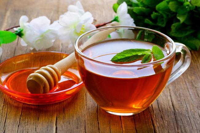 Uống nước mật ong vào buổi sáng tốt cho cơ thể