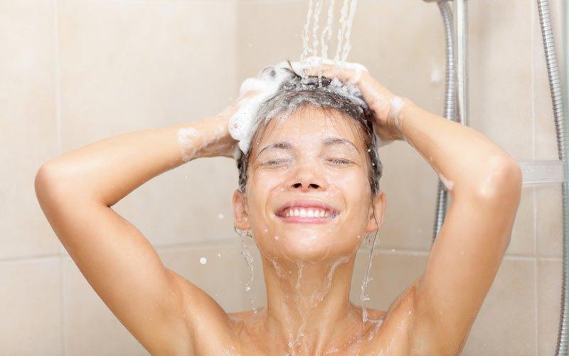 Top 7 loại nước tắm thảo dược cho sản phụ sau sinh tốt nhất hiện nay
