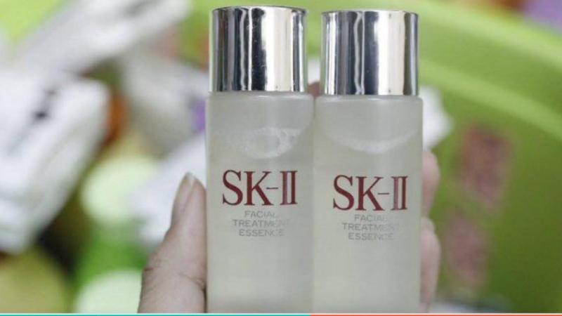 Nước thần SKII Facial Treatment Essence luôn chiếm một vị trí vô cùng quan trọng trong lòng chị em phụ nữ