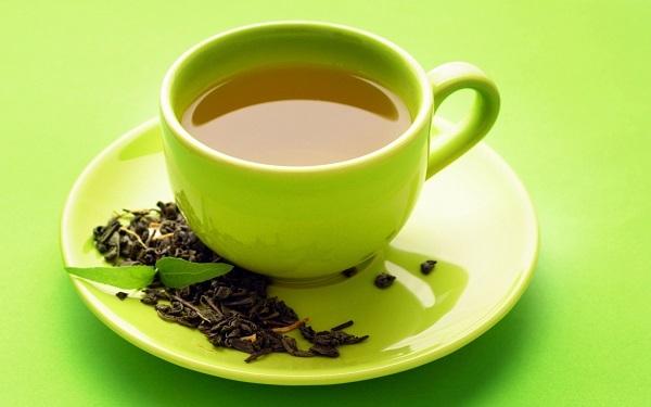 Cần tránh uống các loại trà cùng thuốc