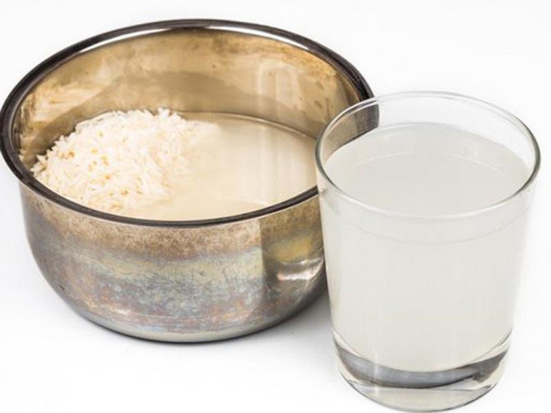 Từ xa xưa, phụ nữ châu Á đã biết cách dùng nước vo gạo để chăm sóc tóc.