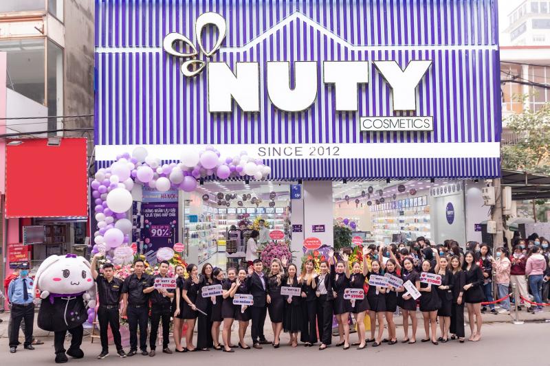 Đội ngũ nhân viên Nuty Cosmetics