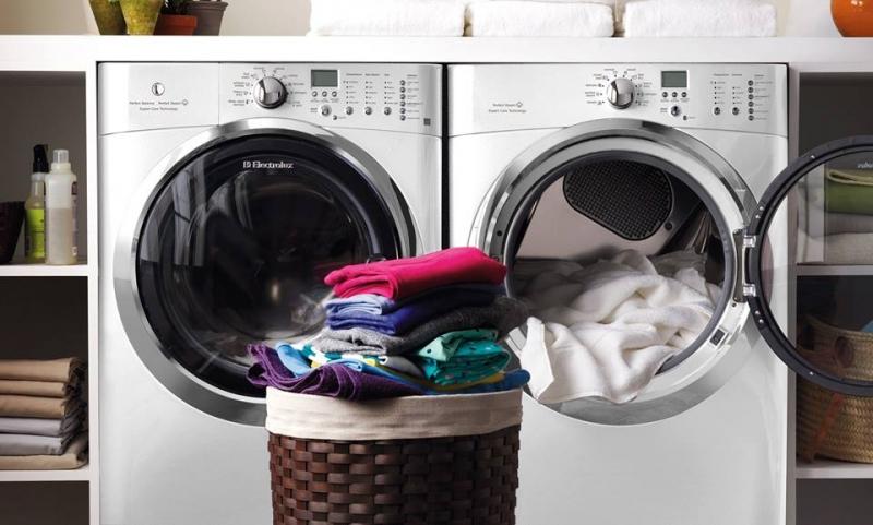 Ở chế độ vắt hay chế độ giặt máy vẫn cấp nước