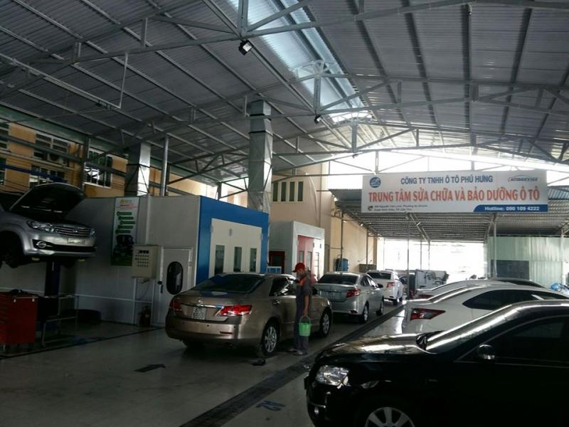 Ô Tô Phú Hưng.