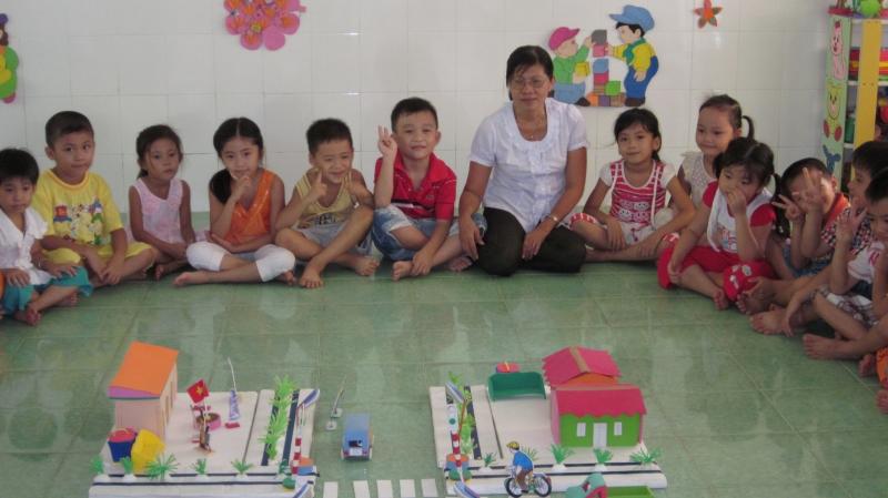Ô tô vào bến (cho trẻ từ 2 tuổi) - trò chơi vận động dành cho trẻ mầm non hay nhất