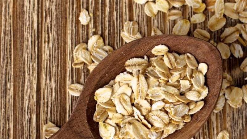 Oatmeal và oat bran