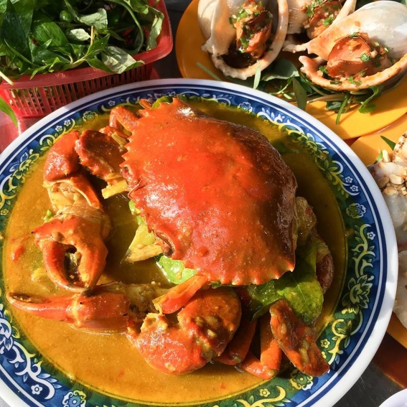 Ngoài Ốc, quán dì Tú còn phục vụ nhiều món hải sản rất ngon